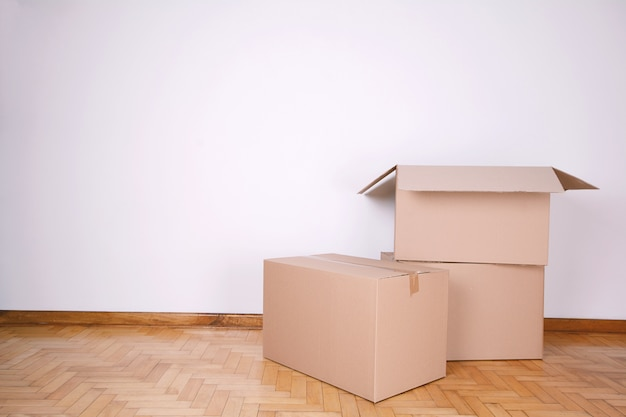 Стек картонных коробок с копией