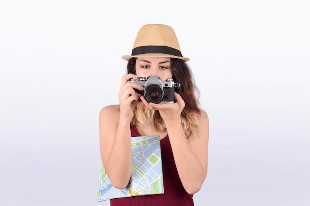 カメラで観光客の女性。