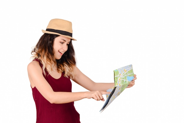 地図を見て若い観光客の女性。