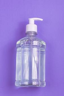 水色にアルコールジェルが入った容器
