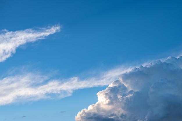 雲と美しい空
