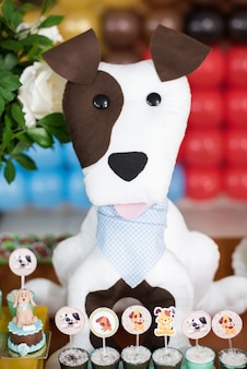 お菓子やテーブルデコレーション - 犬のテーマ - 子供の誕生日