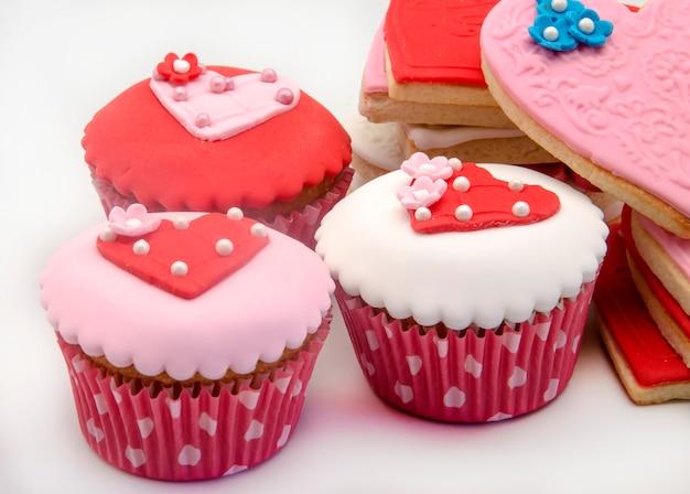 バタークッキーとカップケーキ