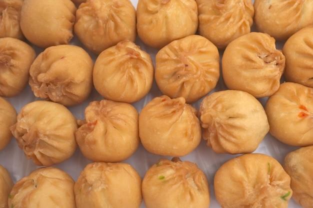 揚げパン、点心、有名な中華料理の朝食用食品。