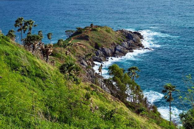 タイの美しいビーチと熱帯の海、プーケット。