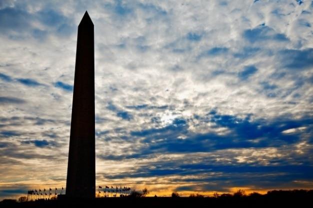 ワシントン記念塔のシルエット