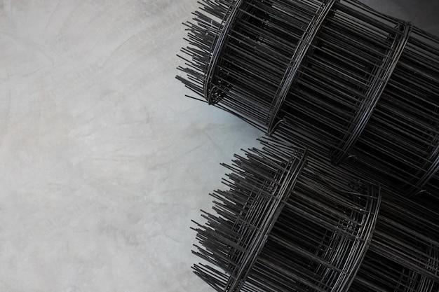 鉄筋コンクリートの床の背景を注ぐためのプレハブ鋼