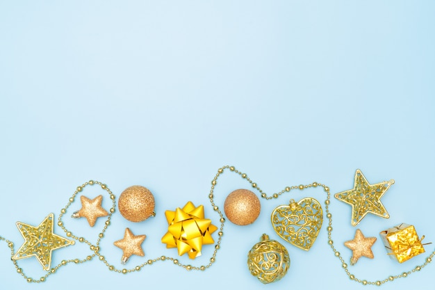金色の星と誕生日、クリスマスや結婚式のためのボールとギフトボックス