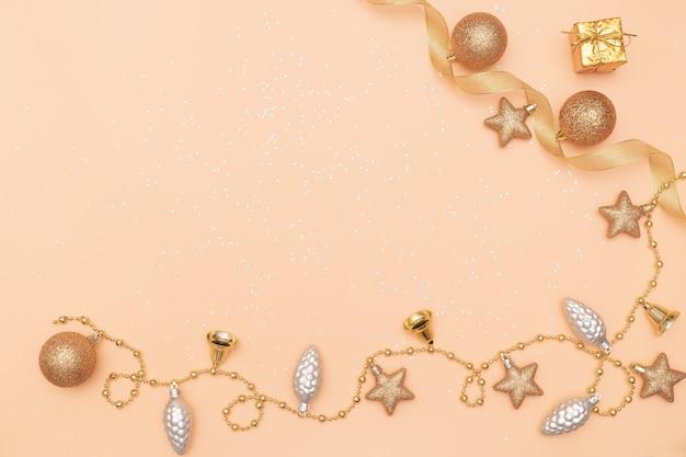 ギフトボックス、誕生日、クリスマスや結婚式のための星とボール