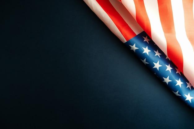 マーティンルーサーキングデー記念日-アメリカの国旗の抽象的な背景