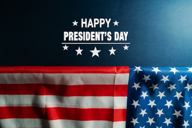 アメリカの国旗の背景に大統領の日を祝う