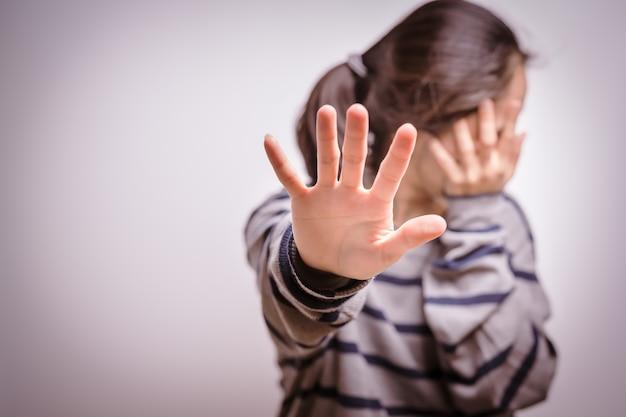 Прекратить насилие в отношении женщин день прав человека свобода одна грусть эмоциональная