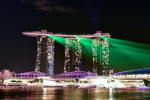 Ночной пейзаж сингапура марина бэй сэнд