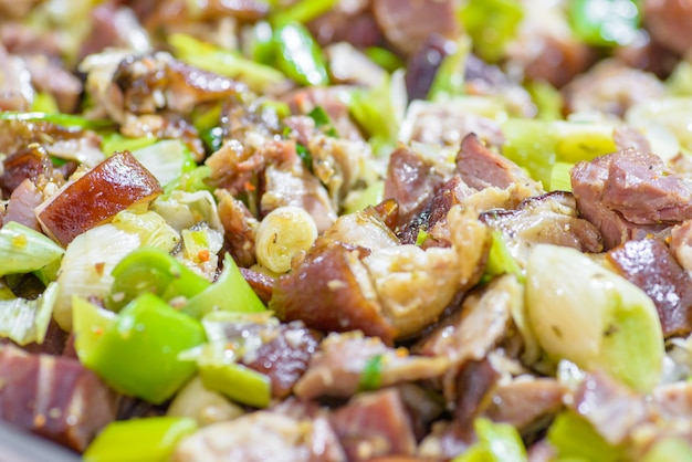 伝統的なハンガリー豚屠殺場料理、野菜炒め豚肉