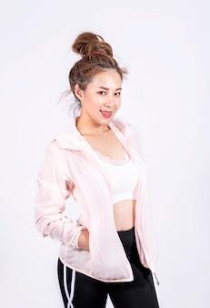 ファッションスポーツウェアのスポーツ少女