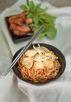 豚肉の炒め麺
