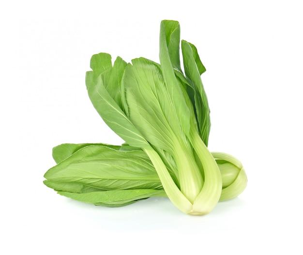 白菜(白菜)の白い背景で隔離。