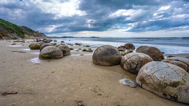 ニュージーランド、オタゴ海岸のモエラキ岩