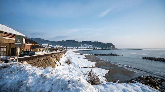 Море зима снег пейзаж