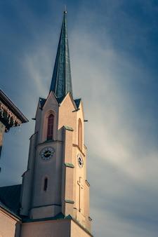 屋外の時計塔