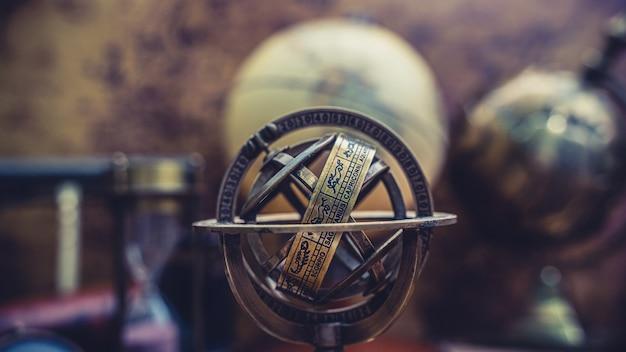 ゾディアックサイン付き日時計