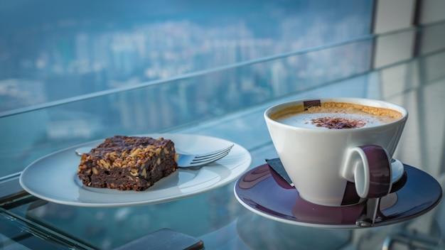 ホットコーヒーとブラウニー