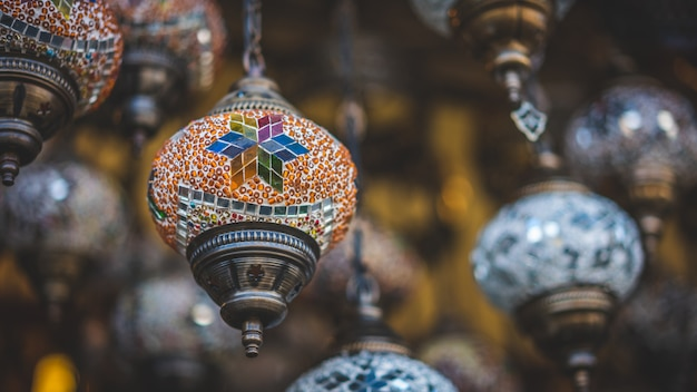 Традиционное турецкое потолочное освещение