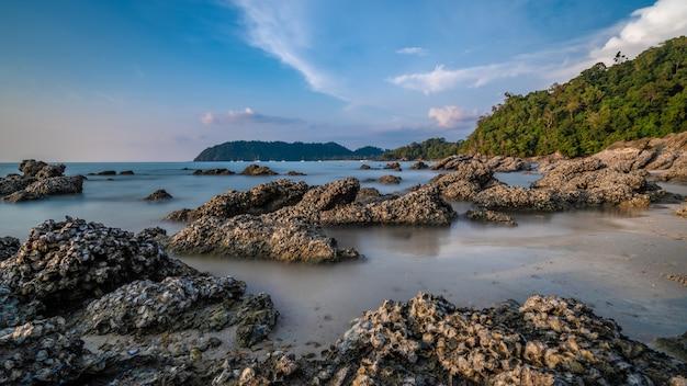 Остров морской камень