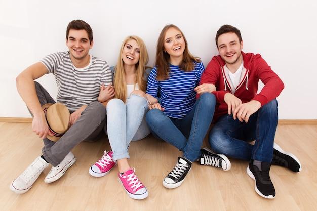 若い人たちのグループ