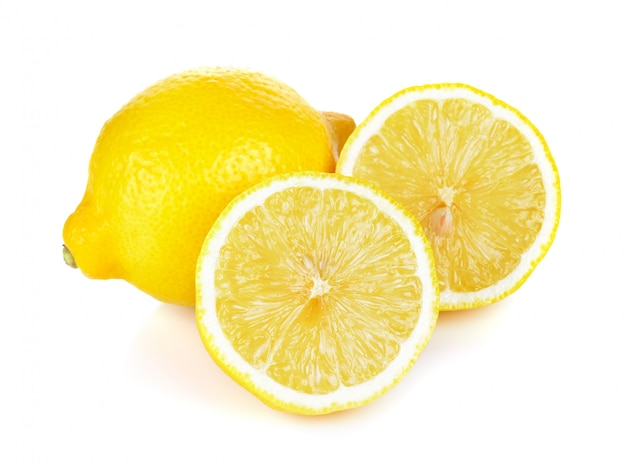 レモンは白い背景で隔離