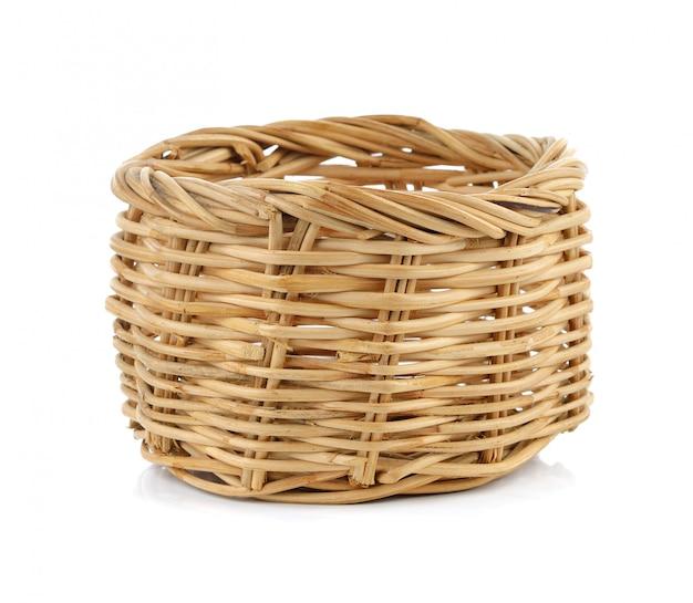白で隔離される枝編み細工品バスケット