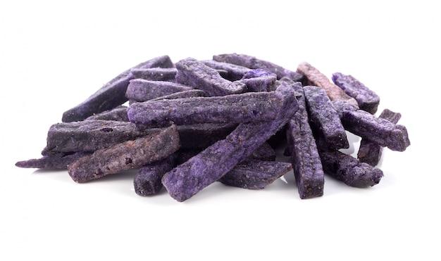 紫色のポテトスナック白背景
