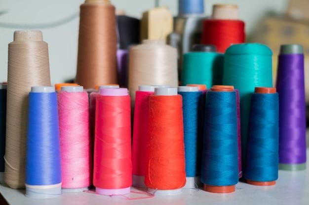 工場の縫い糸