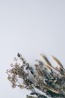 ウェディングカードの背景の花ヴィンテージ。