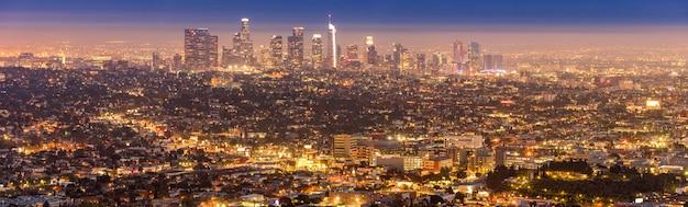 ロサンゼルスダウンタウンの日没