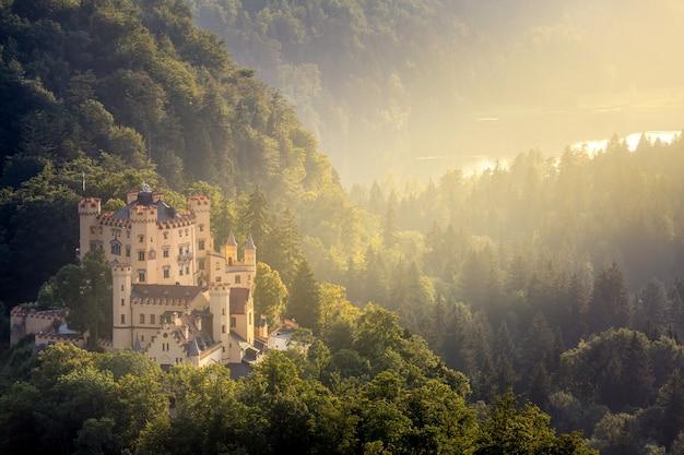Замок хоэншвангау в фюссене бавария, германия