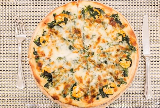 エビのピザ