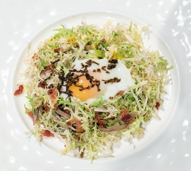 Салат из яичного теста