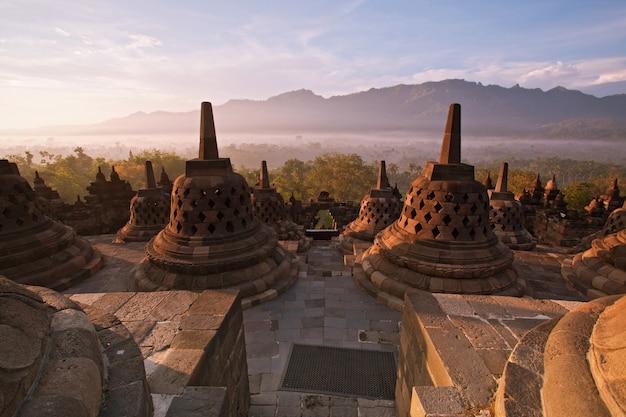 ボロブドゥール寺院インドネシア