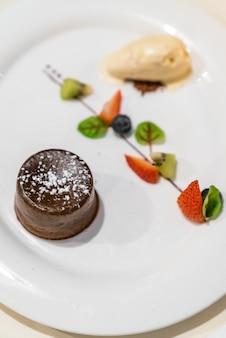 チョコレートの溶岩ケーキ