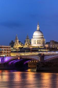 Лондонский собор святого павла закат