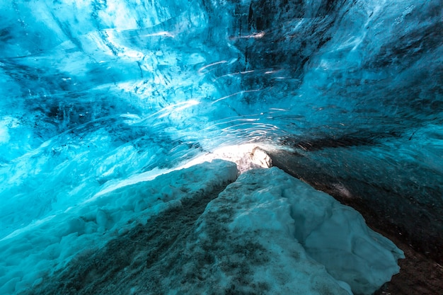 Ледяная пещера исландия