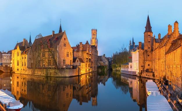 ブルージュ、ベルギーの夕暮れ。