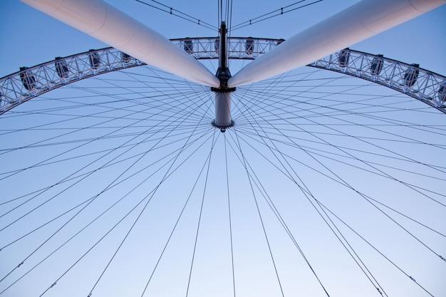 ロンドンアイの建築