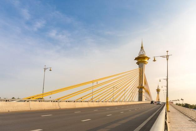 Мост в нонтхабури, таиланд