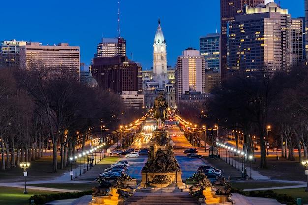 フィラデルフィア市庁舎夜