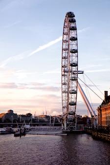 Лондонский глаз с вестминстерского моста