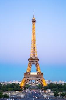 Эйфелева башня ночь