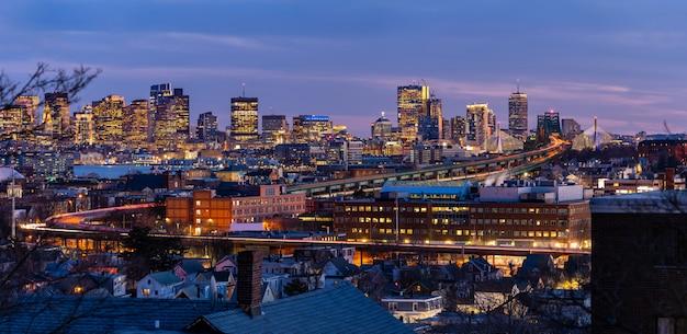 Бостонская панорама городского пейзажа