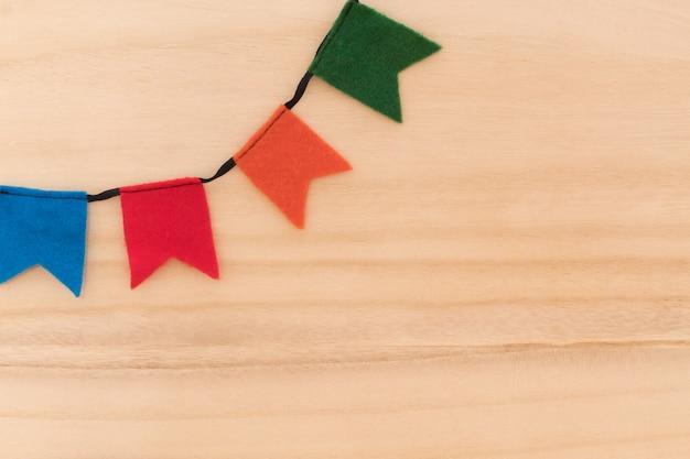 典型的なブラジルの祭りのための伝統的なパーティー用品